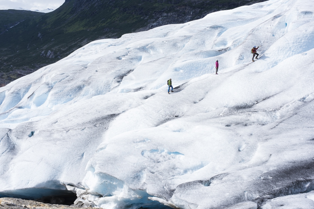 Svartisen – Glacier hiking